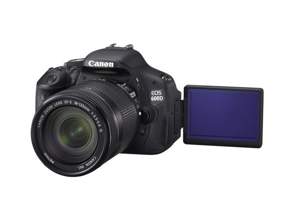 image_EOS 600D FSL LCD DISPLAY OPEN w EF-S 18-135mm IS_tcm16-816272